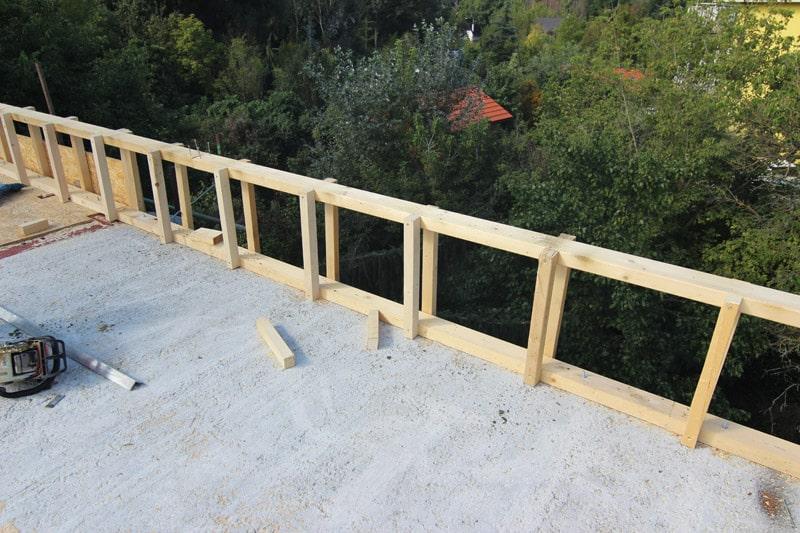 realizácia drevenej atiky