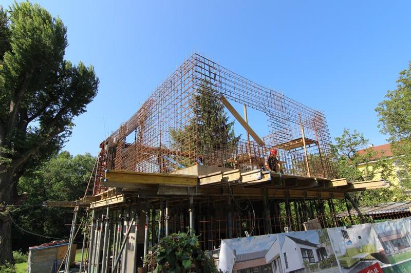 armovanie - stavba domu