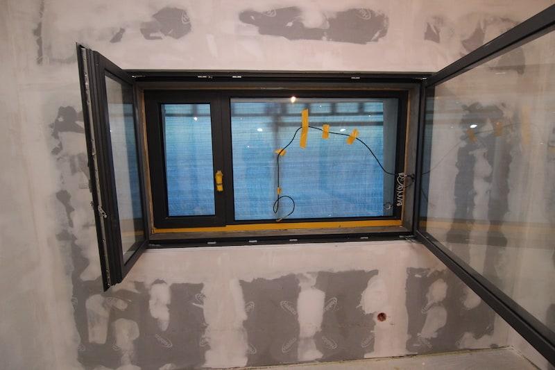 Montáž okná do akustickej steny